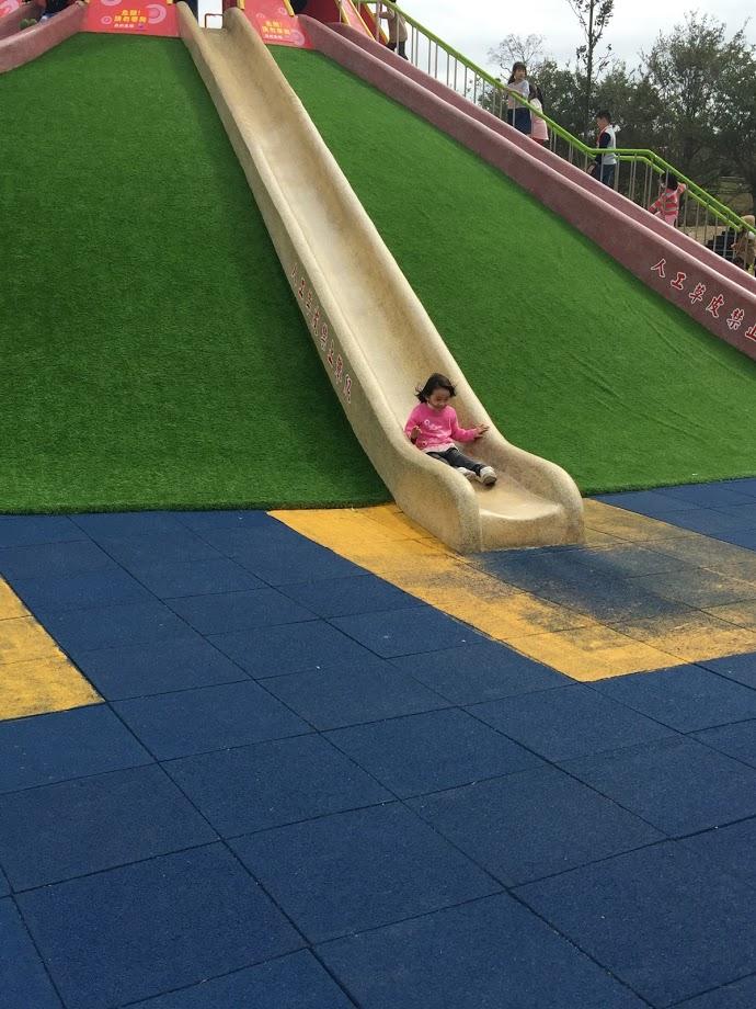 章魚溜滑梯